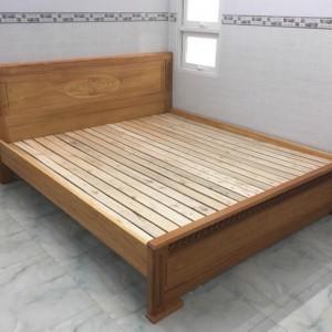 giường ngủ căm xe
